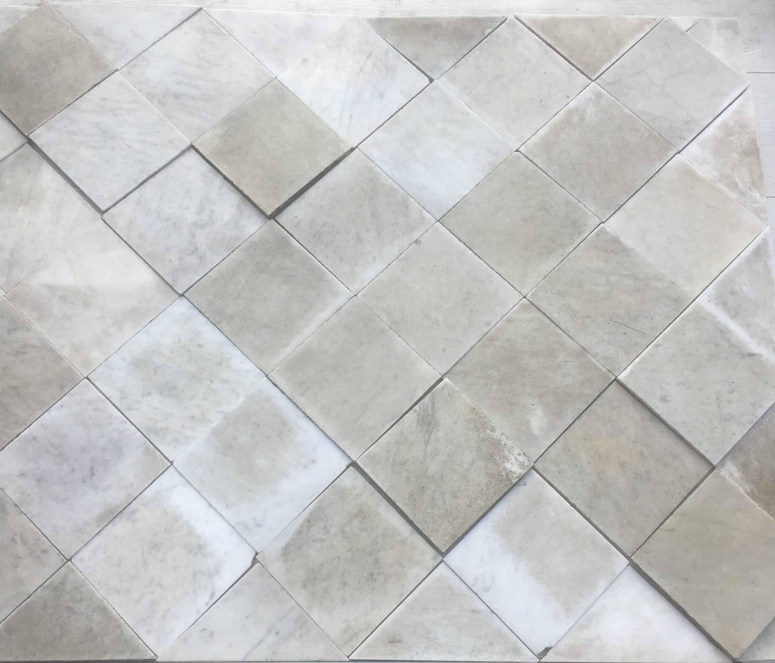 Marmorboden quadratische Platten