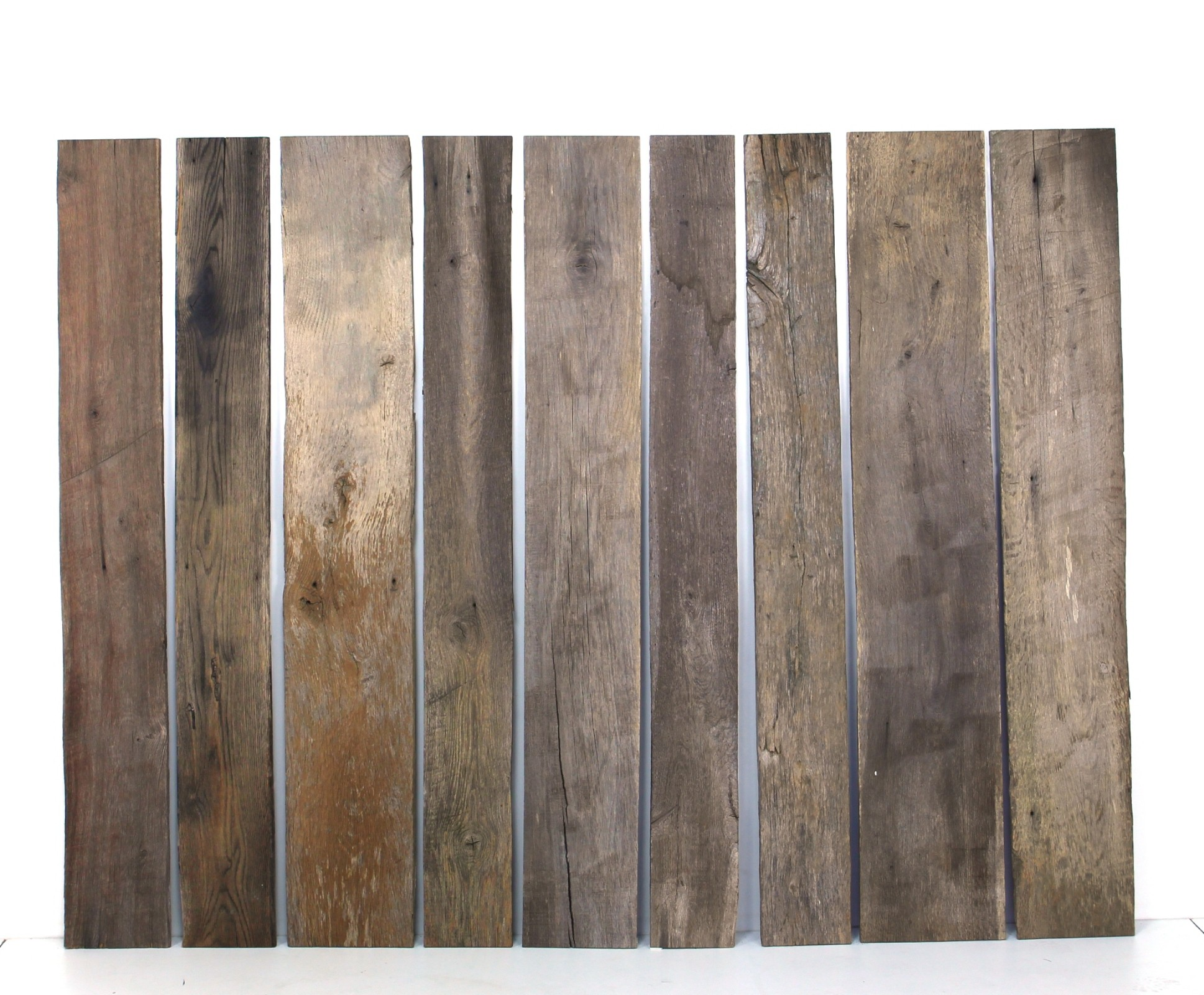 Holzbretter aus Eiche sonnenverbrannt