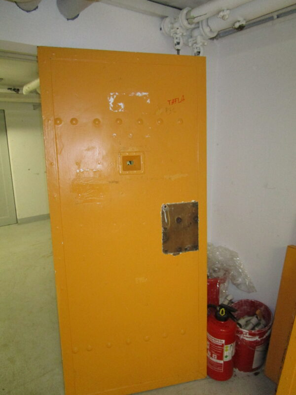 Original historische Haftraumtüren aus ehem. JVA Rottenburg