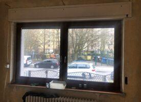 Brömse Kunststofffenster Golden Oak