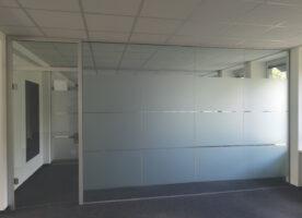 DORMAKABA Glastrennwand mit Tür