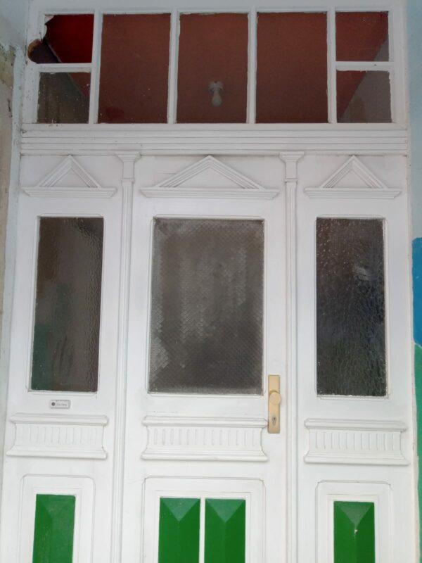 Hauseingangstür von ca 1913, Holz mit Glasteil