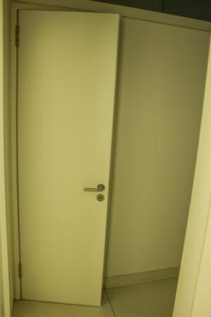 Badezimmertür DIN L