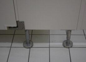 WC Trennwände (4 Kabinen)