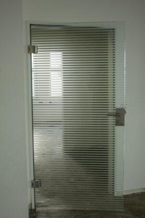 Glastüre gestreift DIN L (Marke: Dorma)