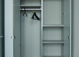 Einbauschrank (Garderobe links, Ordner rechts)