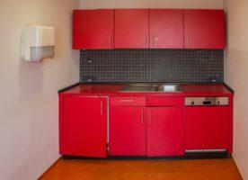 Einbauküche rot (2,20m breit)