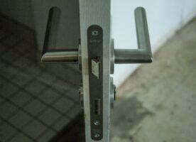 Tür Holzoptik DIN R, 94cm
