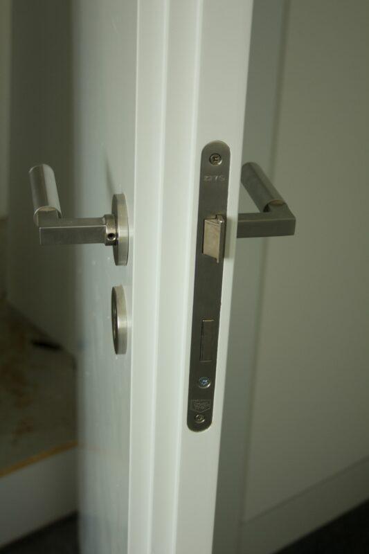Tür mit Blockzarge DIN R