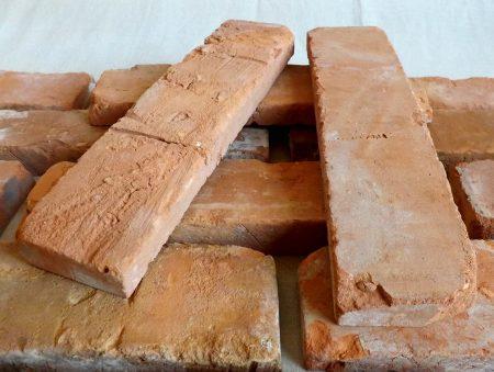 Klassisch rote Loft Ziegel Verblendsteine Klinkerriemchen original Mauerziegel Steinwand Wandverkleidung Wandpaneele Ziegelwand Fliesen