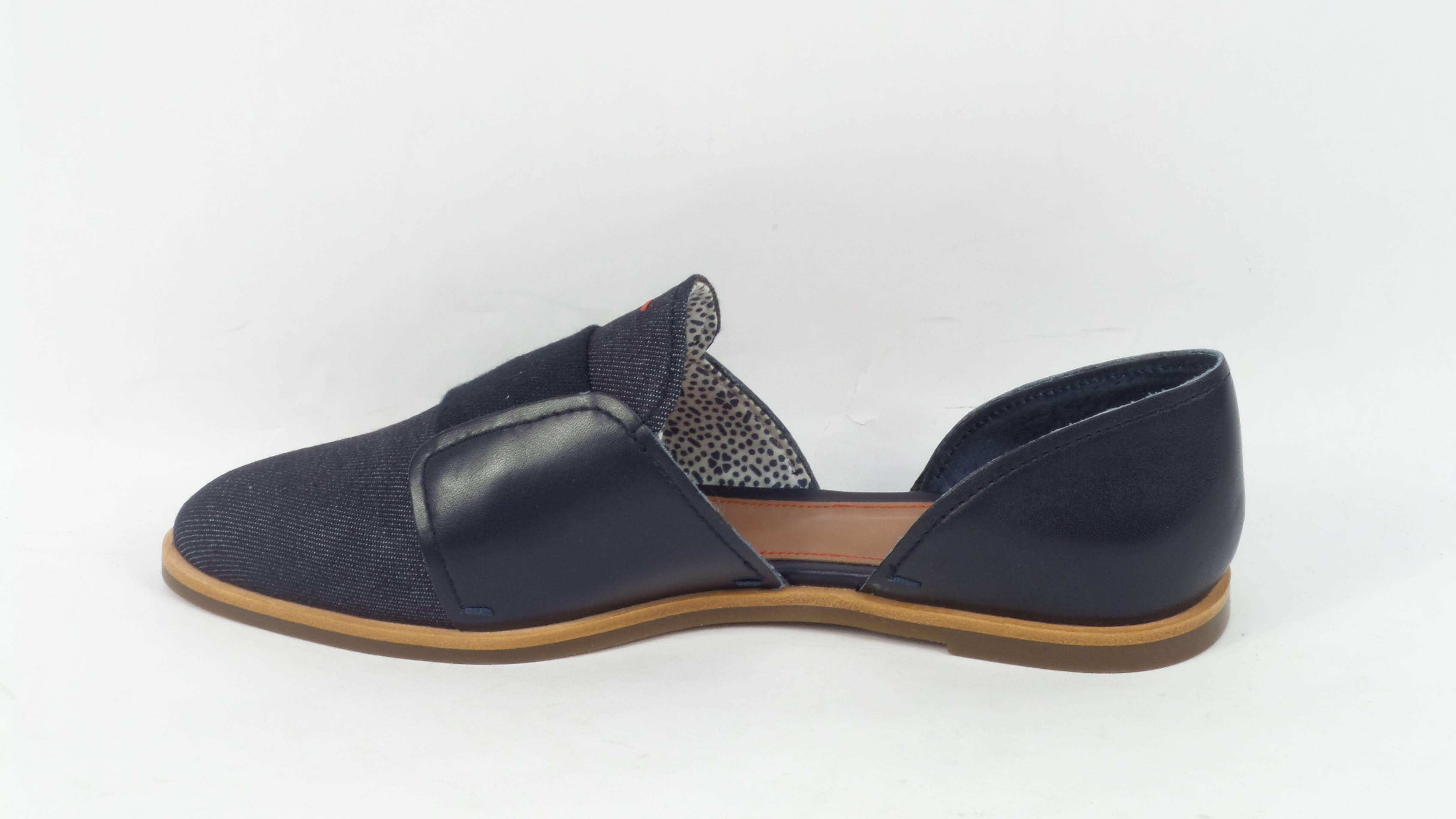 Kizi Black Women/'s Size 5 ED Ellen DeGeneres Leather Pointed-Toe Flats