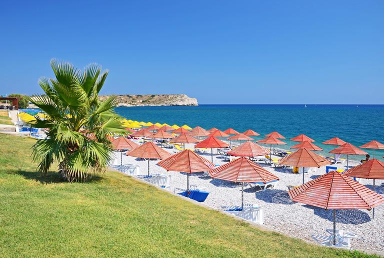rhodos-kolymbia-beach-parasol-002