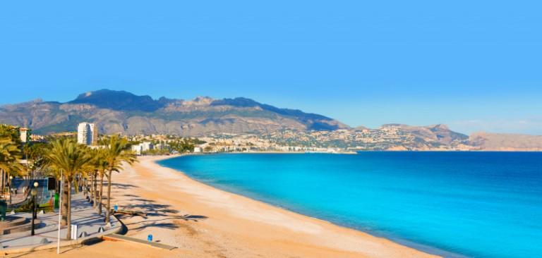 De billigste reisene til Alicante og Costa Blanca