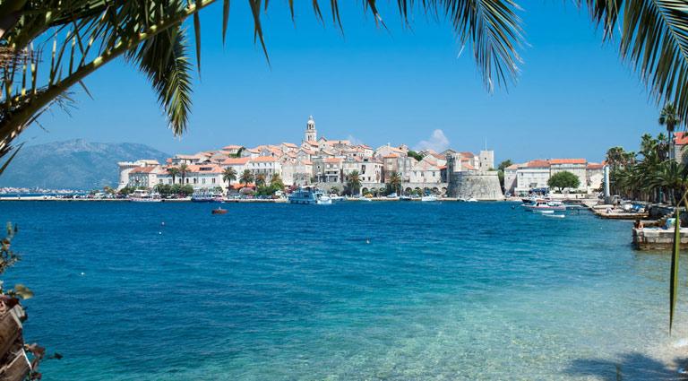 En av de vakreste øyene i Kroatia. Helt klart vann, flotte strender og vakker arkitektur