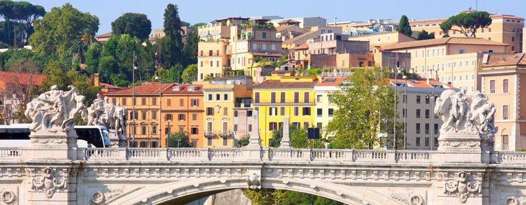 Flybilletter og storbypakker til Roma fra 7 byer