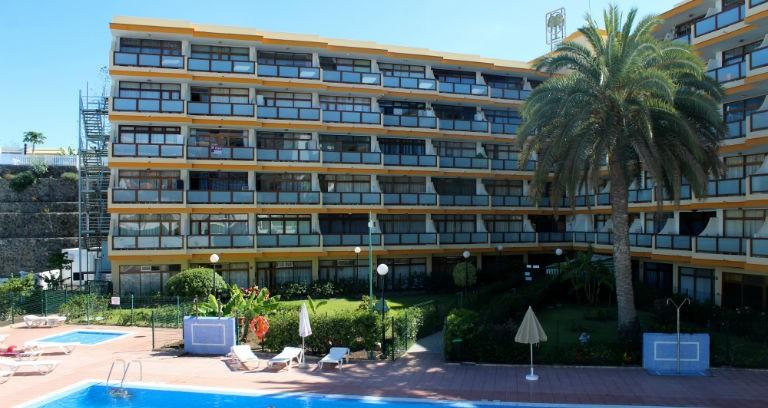 Bo som Stig-Helmer och Ole i Sällskapsresan - Australia Apartments, Playa del Ingles