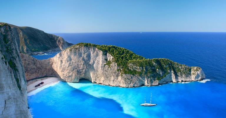 Billige flyreiser til 13 solfylte reisemål i Hellas