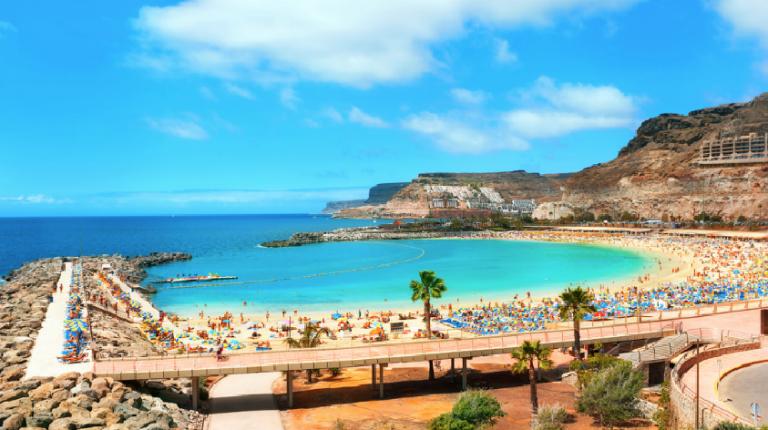 De billigste reisene fra Trondheim til 11 badebyer på Gran Canaria