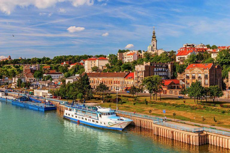 Во Белград прогласена вонредна состојба