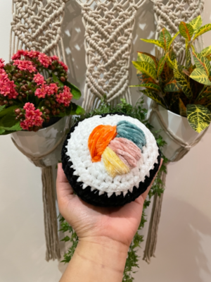 Chunky sushi roll amigurumi