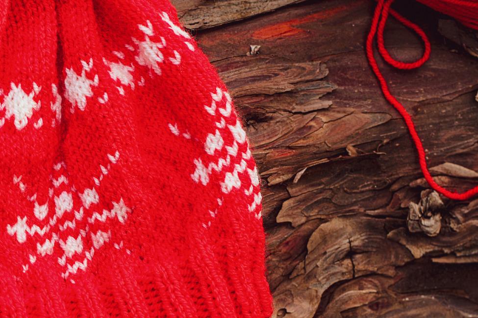 Winter Festivity Hat/Knit Version