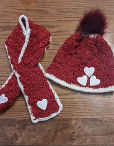 C2C hat and scarf set