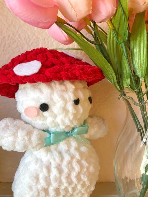 crochet mushroom boi