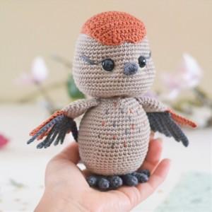 Crochet sparrow