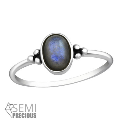 Silver Oval Ring with Labradorite