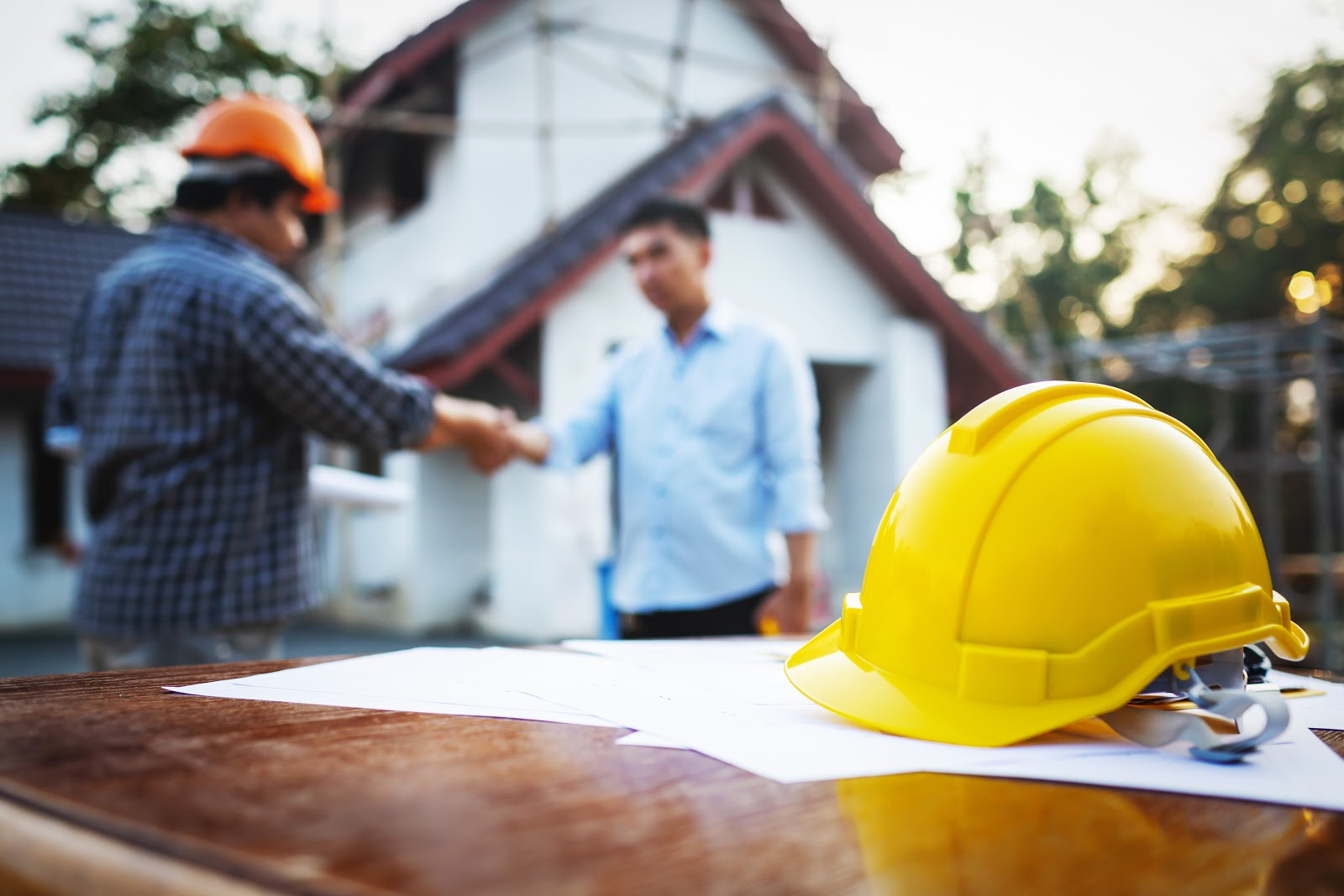 How do I protect myself when hiring a contractor | Rising Star Properties