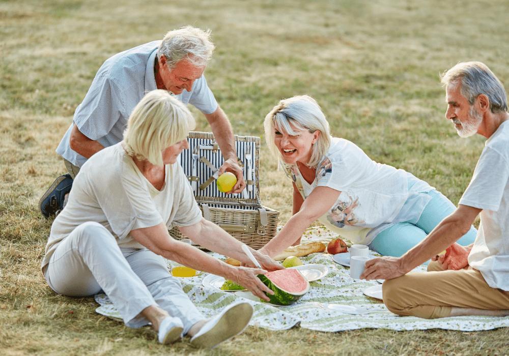 Socialization in Senior Communities | Rising Star Florida