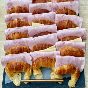 Medialunas con jamón y queso (x3)