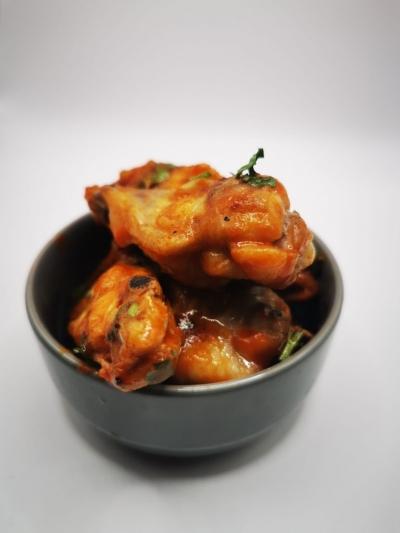 Siracha Hot Chilli Wings