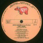 """TIMES SQUARE original soundtrack album, Mexico, 1981, side 1 Text: HECHO EN MEXICO DISTRIBUIDO POR POLYDOR, S.A. MARCA REGISTRADA RESERVADOS TODOS LOS DERECHOS DEL PRODUCTOR FONOGRAFICO Y DE LA OBRA PROHIBIDA SU EJECUCION PUBLICA CON FINES DE LUCRO RSO 16370/A2 2658 145 2479 264 1 DISCO 1 ℗ 1980 MUSCIA ORIGINAL DE LA PELICULA """"TIMES SQUARE"""" Productor Ejecutivo: BILL OAKES 1. ROCK PESADO (Hard rock) 3:18 -M. Chapman-N. Chinn- *SUZI QUATRO* 2. HABLA DEL PUEBLO (Talk of the town) 3:16 -C. Hynde- *THE PRETENDERS* 3. LA MISMA ESCENA (Same old scene) 3:54 -B. Ferry- *ROXY MUSIC* 4. EN EL PARQUE (Down in the park) 4:20 -G. Numan- *GARY NUMAN* 5. AYUDAME (Help me!) 3:37 -R. Gibb-B. Weaver- *MARCY LEVY Y ROBIN GIBB*"""