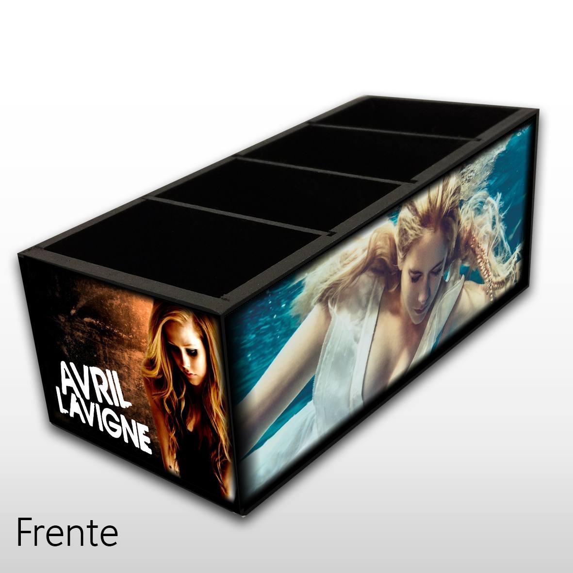 Avril Lavigne - Porta Controles em Madeira MDF - 4 Espaços Mr. Rock