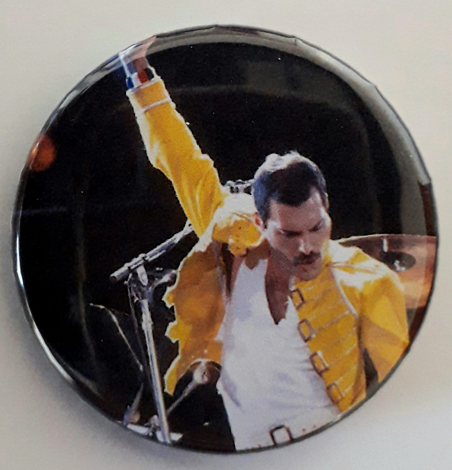 Botton  Freddie Mercury