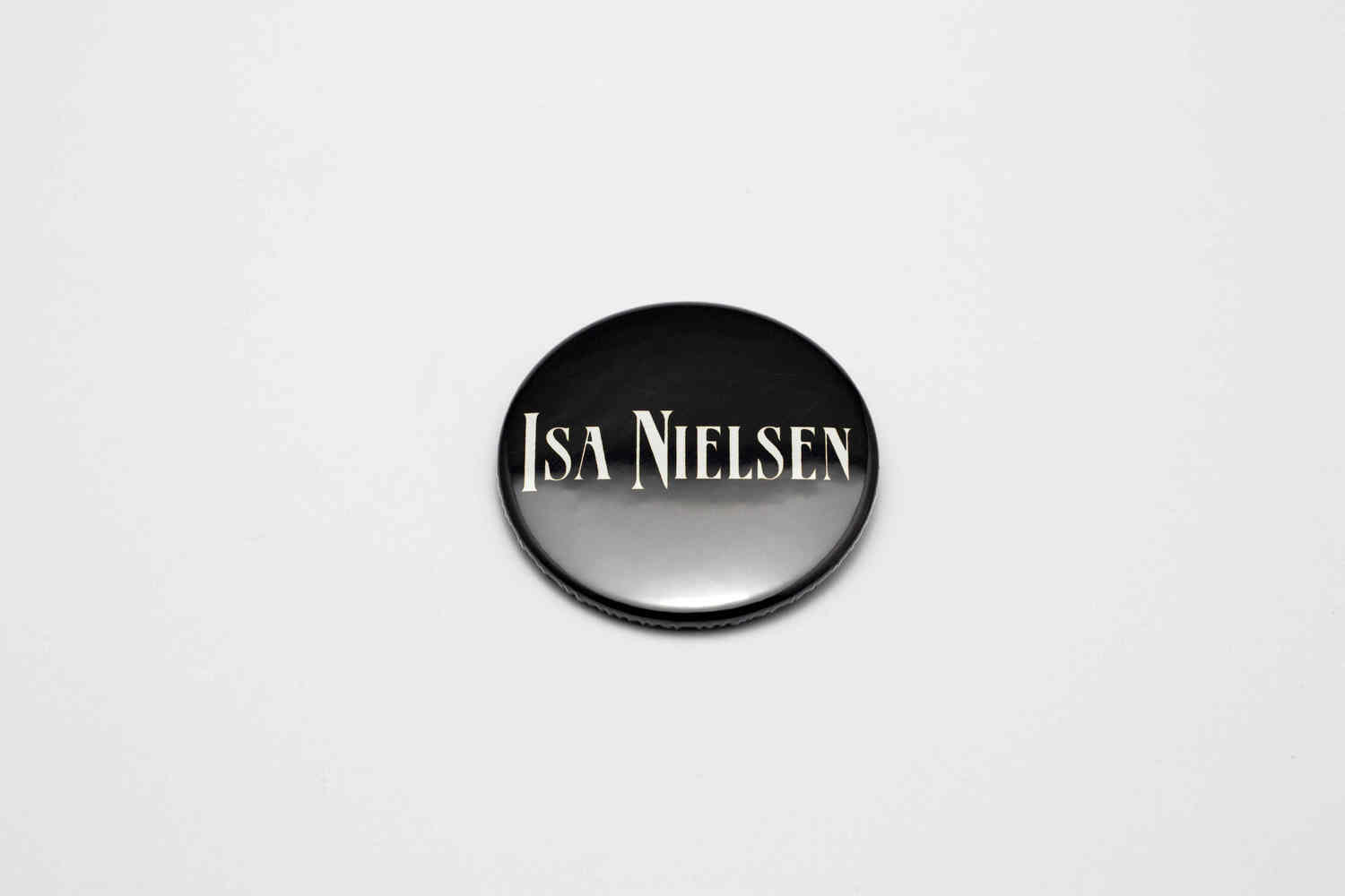 Botton Isa Nielsen - Pin