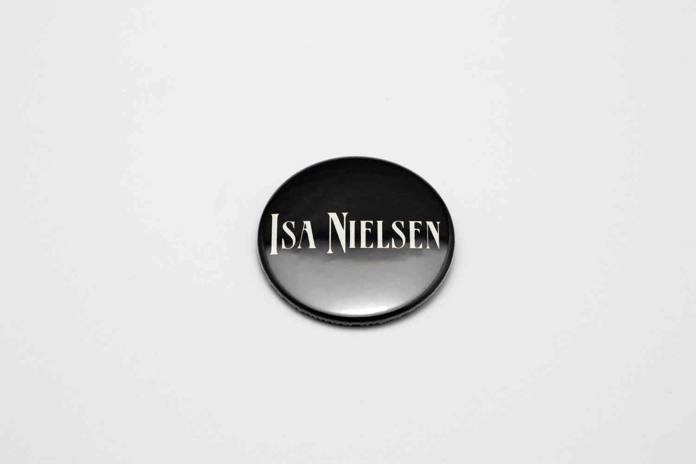Botton Isa Nielsen - Pin