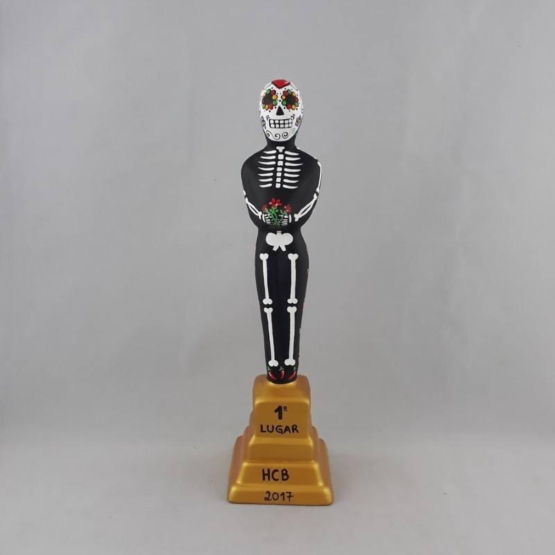 Estatueta Oscar Caveira Mexicana com base  dourada