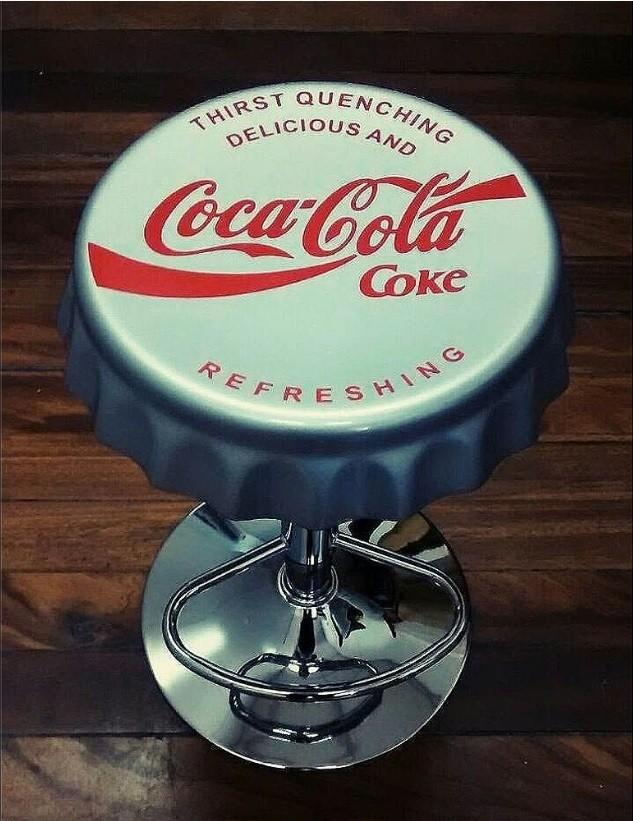 Banqueta Vintage Coke – Rvalentim