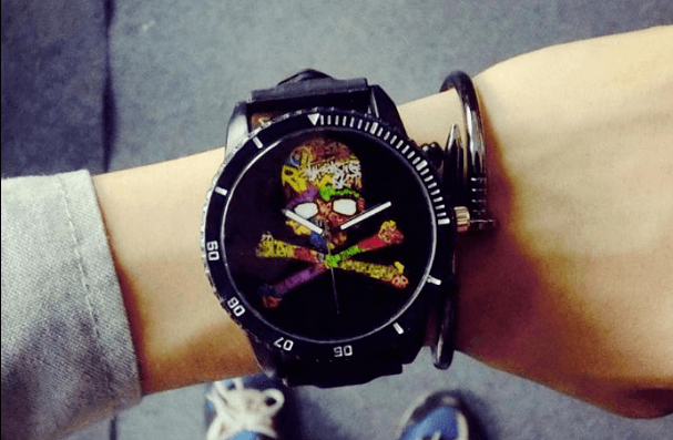 Relógio Caveira Ossos Colors Vintage - SkullAchando