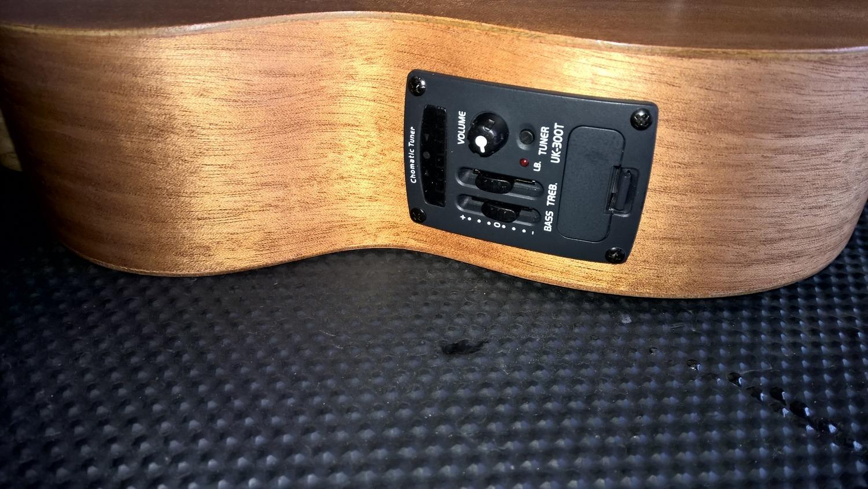 Instalação de circuito preamp em instrumentos acústicos