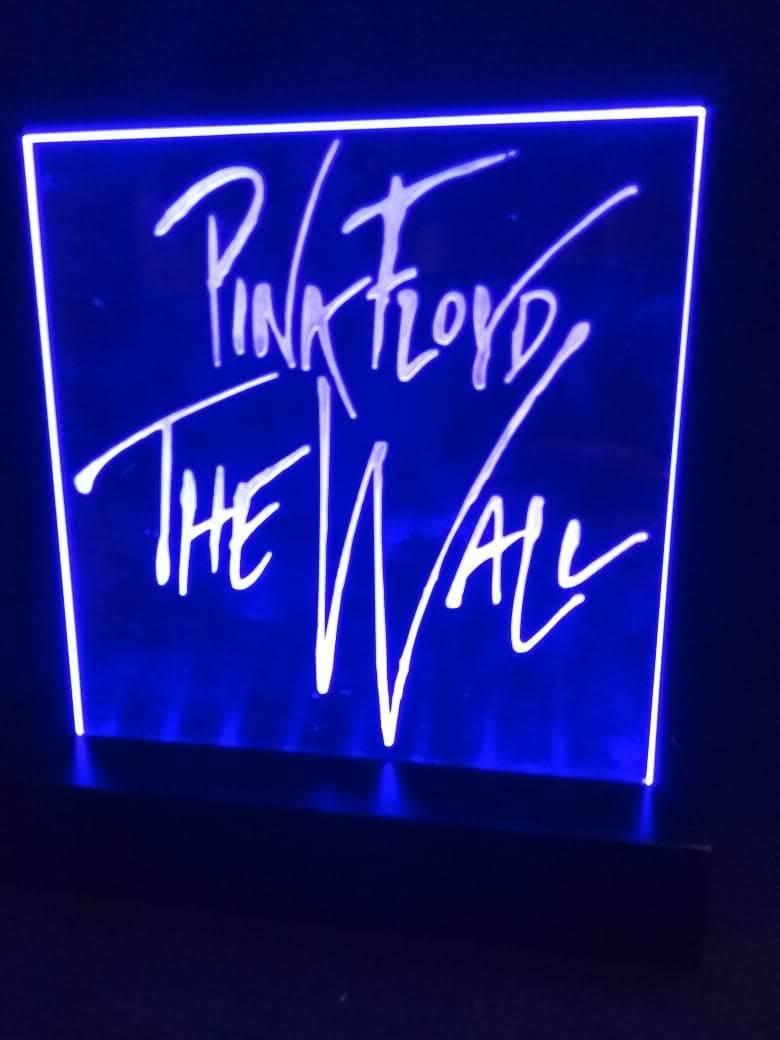 Luminária LED em Acrílico  Bandas - Pink Floyd