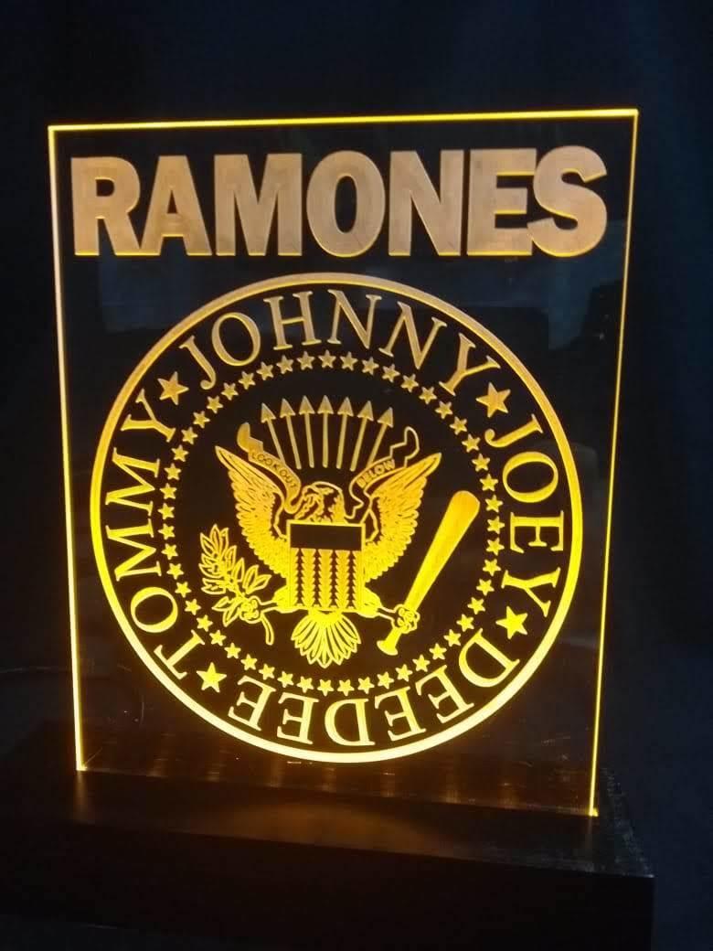 Luminária LED em Acrílico  Bandas - RAMONES