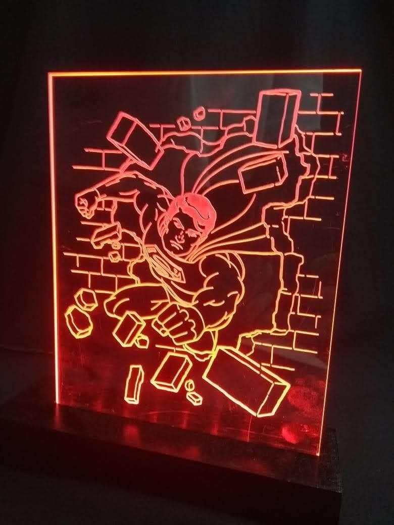 Luminária LED em Acrílico  Herois - Superman
