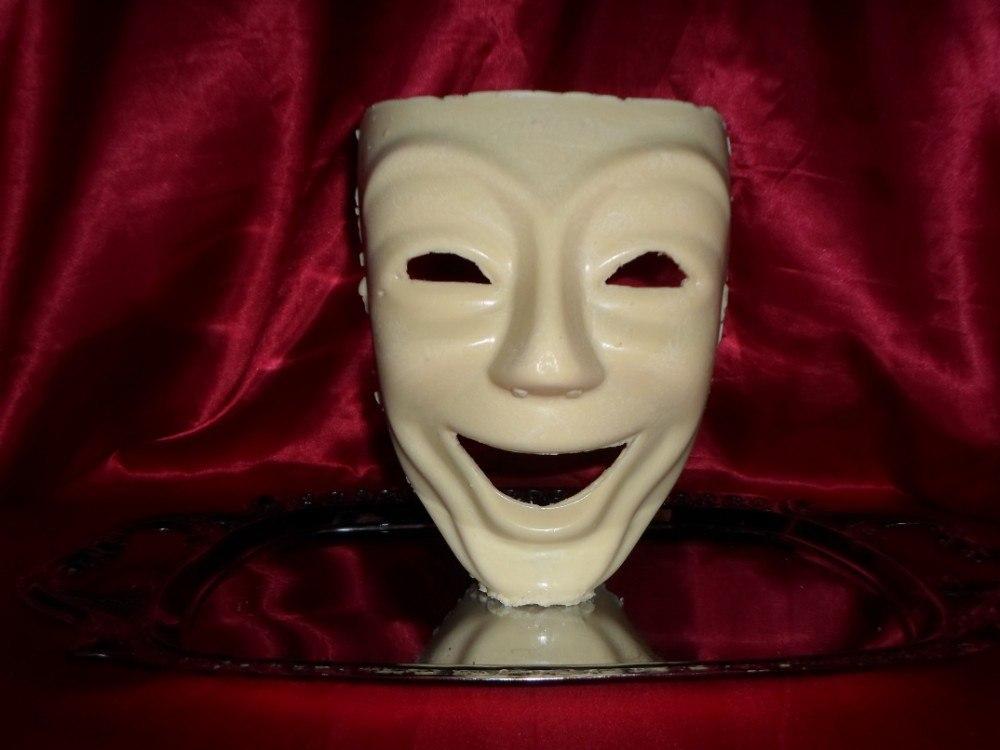 Máscara de Chocolate da Comédia - Goth Cake
