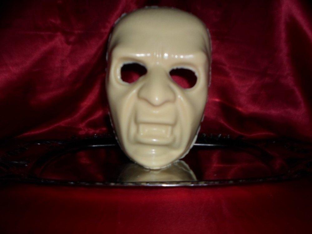 Máscara de Chocolate Vampiro - Goth Cake