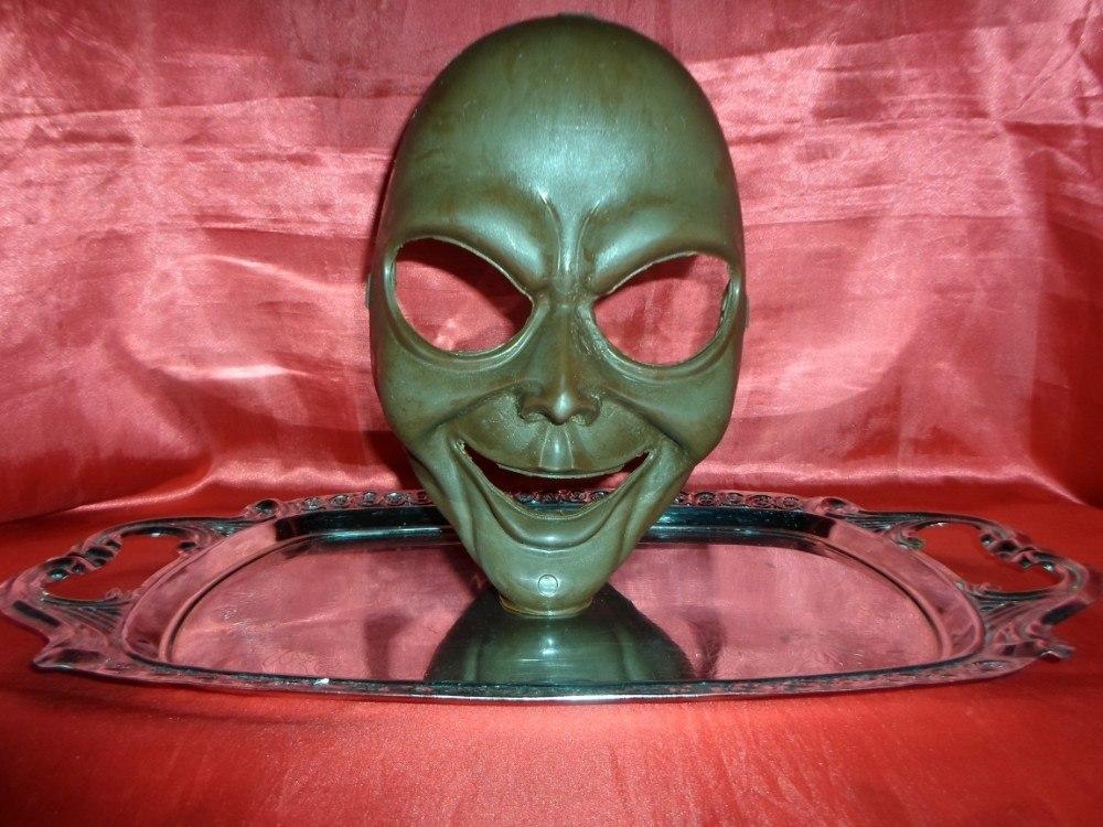 Máscara de Chocolate Sorriso Maligno - Goth Cake