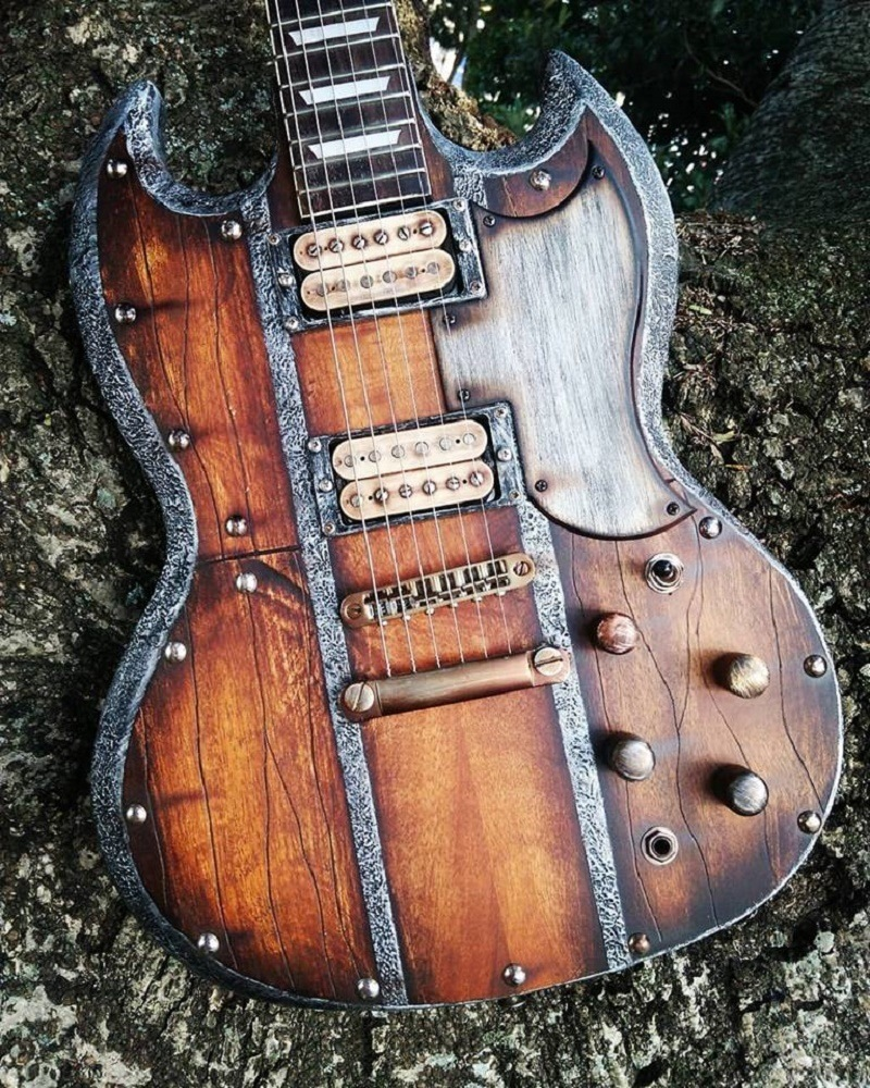 "Guitarra SG Nordic ""Storm"" Hot Machine Custom"