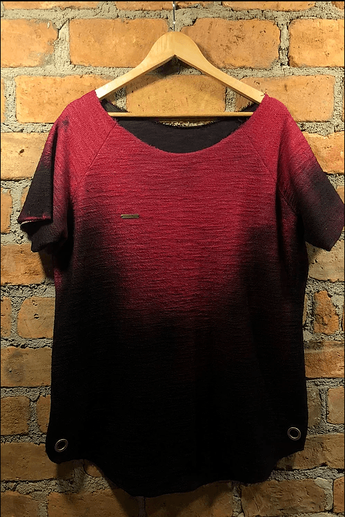 Tshirt Masculina Rústica Vermelha – Vitorio Baro